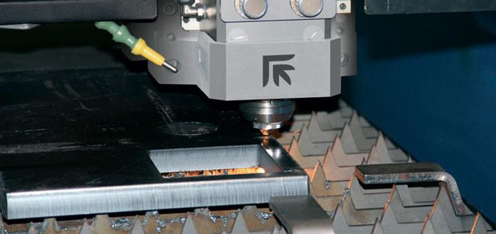 Blechverarbeitungsmaschine